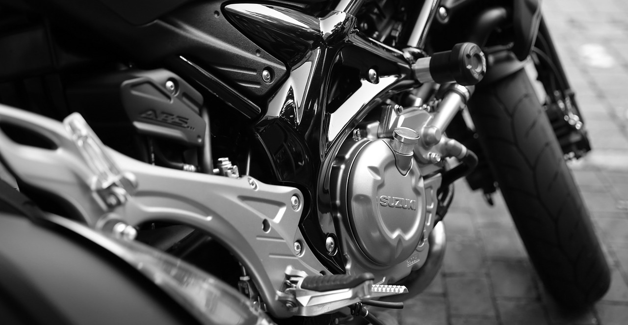 motorcycle-410165_1280